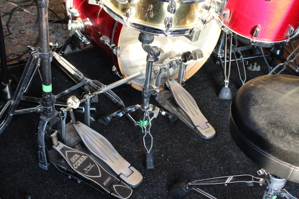 Picture of the bass drum pedals