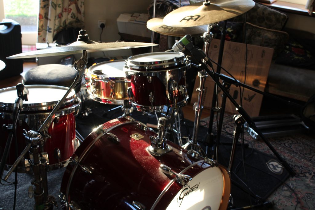 Picture of the front of the drum kit